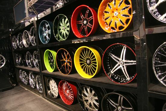 Летние и зимние шины, литые диски, секретки на колеса, автомобильные аккумуляторы в Екатеринбурге...